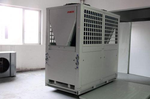 空气能地暖机