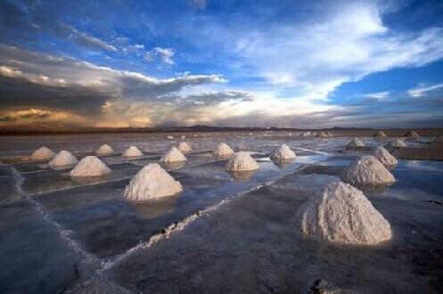 碳酸锂价格波幅显著供需失衡系主因