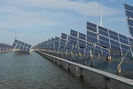 无为首个渔光互补光伏电站正式并网发电