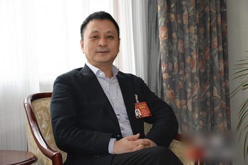 郑砚国建议加快能源优化转型 建设绿色能源体系