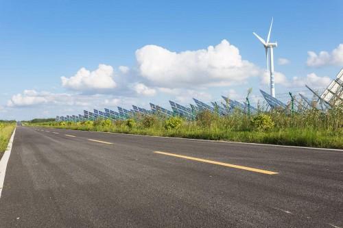 风光新能源发展势头强劲 能源变革正在全球范围内孕育