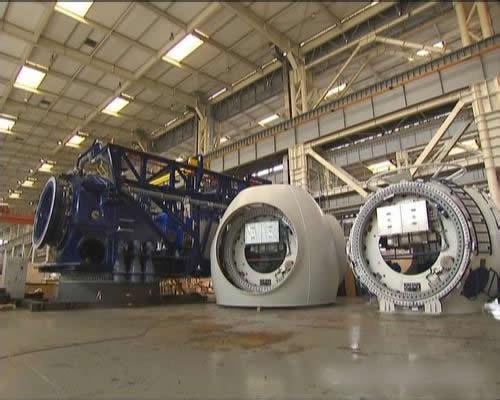 太重首台5MW海上风电机组运抵风场