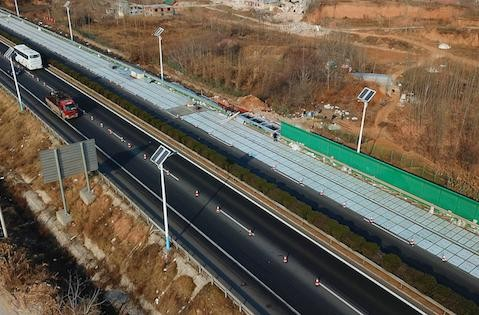 中国首条太阳能高速公路年底通车