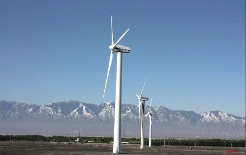 新疆风光无限好 装机容量均列全国第二