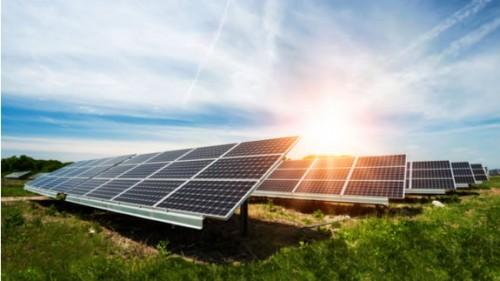 2017年印度太阳能吸引100亿美元投资