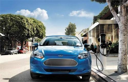 新能源汽车销量火爆 产能扩张暗藏隐忧