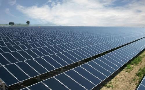 印度二季度新增太阳能发电容量降幅超五成