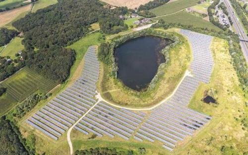 REC集团太阳能电池板为最大太阳能光伏电站供电