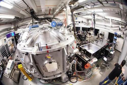 人类用激光创造2000万摄氏度高温 比太阳中心还热
