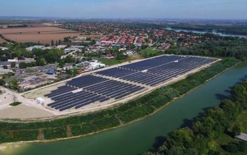 协鑫集成为匈牙利21兆瓦光伏电站提供模块