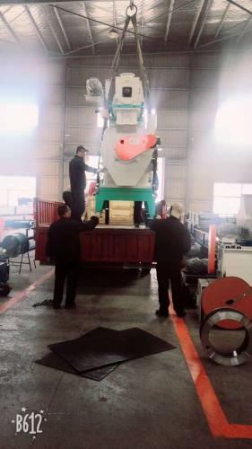 齐发机械-广西桂林一套制粒机设备顺利发货