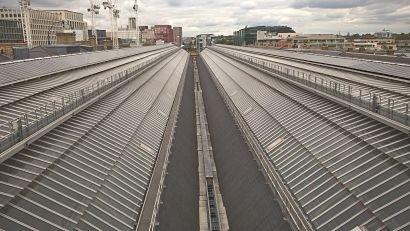英国国王十字火车站的太阳能板减少了超过40吨的碳排放