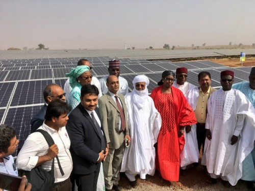 尼日尔首座太阳能发电站投产