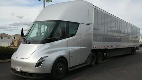 特斯拉Semi电动半挂卡车再获大额订单