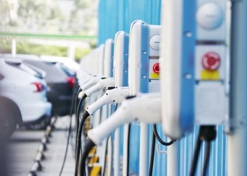 充电桩行业告别赔本买卖!挣抢700亿未来市场