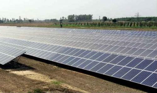 卢比贬值将使印度价值38.4亿美元的太阳能项目陷风险困境