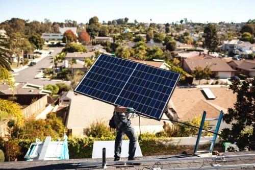 特斯拉太阳能业务面临挑战