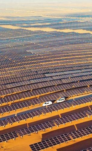 内蒙古达拉特光伏发电应用领跑基地一期并网发电