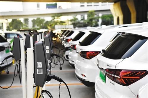 新能源汽車面臨動力系統變革、基礎設施不完善、電池淘汰等挑戰