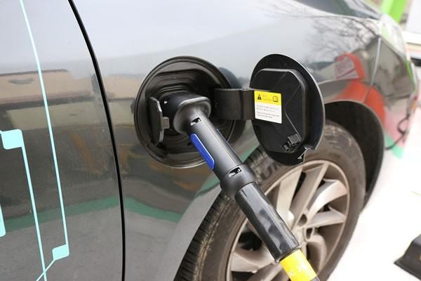 220亿元新能源汽车补贴44%被这四家客车企业拿走了