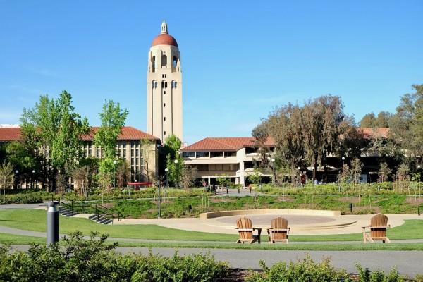 斯坦福大学将使用100%光伏电力
