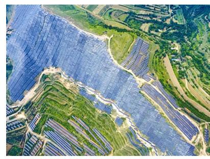 最大光伏电站 绵延40公里全是光伏板