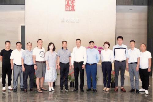 荆州市领导访问至雅集团项目方国悦优能 共商智慧公交绿色氢能计划