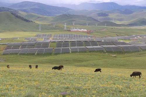 """21万光伏项目让甘孜州农牧民尽享""""阳光红利"""""""