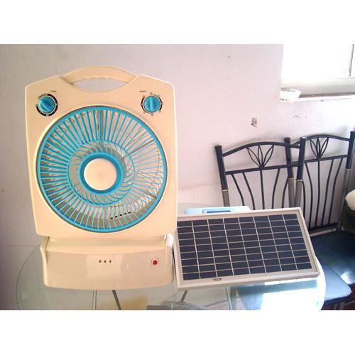 太阳能电风扇