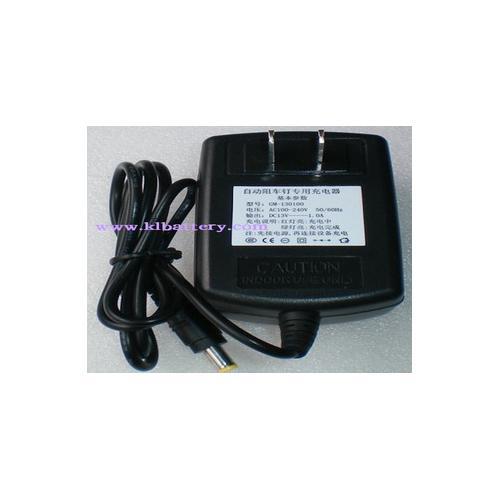 13V1A充电器
