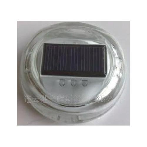 LED太阳能道钉灯