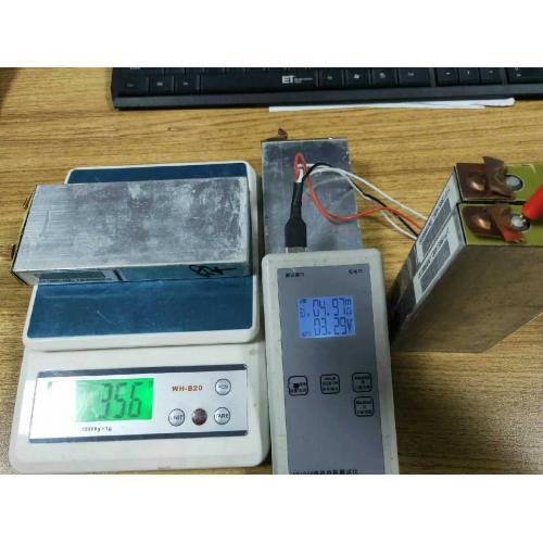 方形鋁殼磷酸鐵鋰電池