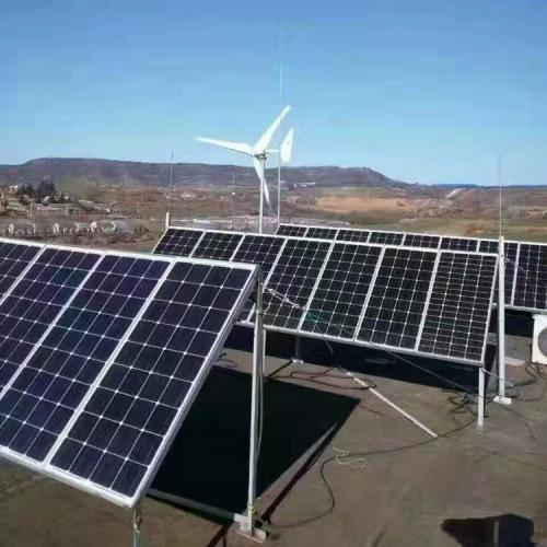 太阳能光伏板风光互补风力发电